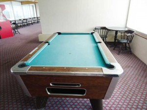 hotel with pool tables mount horeb wi